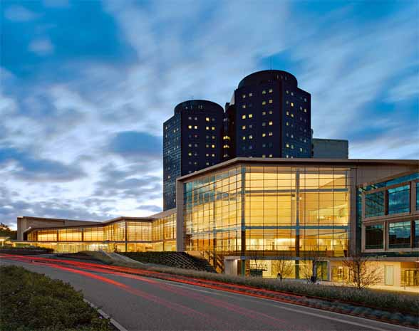 the-new-stony-brook-university-medical-center-building-in-new-york-by-cannon-design