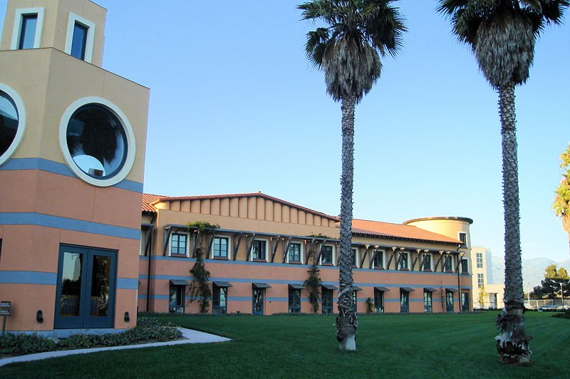 Meet with researchers at life science current events at University of California Santa Barbara in 2015.