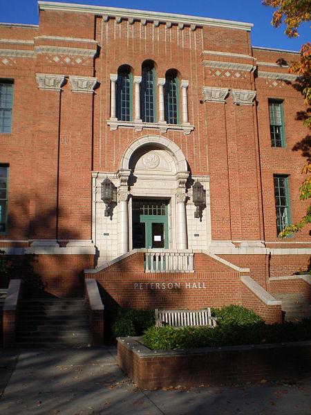 University of Oregon resized 600