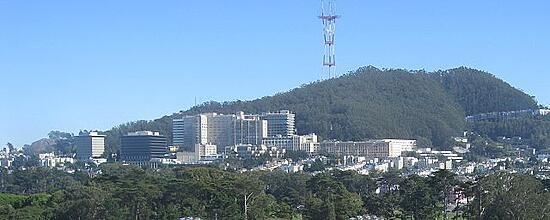 640px-UCSF_Medical_Center_and_Sutro_Tower_in_2008
